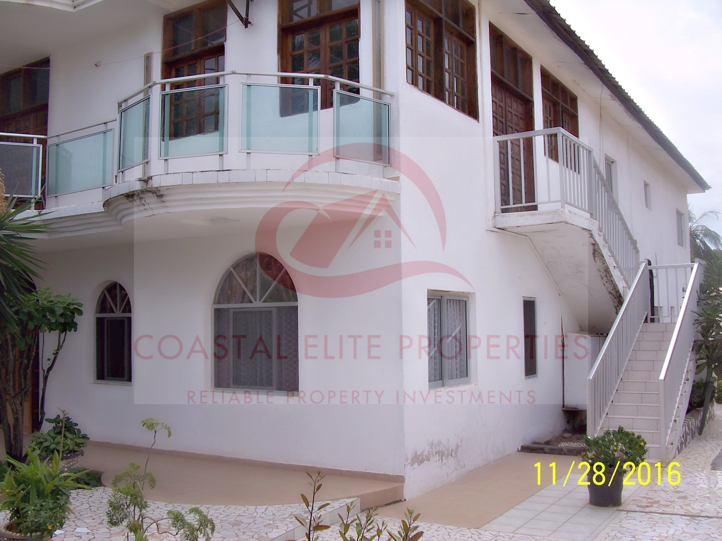 . 12 BEDROOM HOUSE FOR SALE IN FAJARA PARTLY FURNISHED